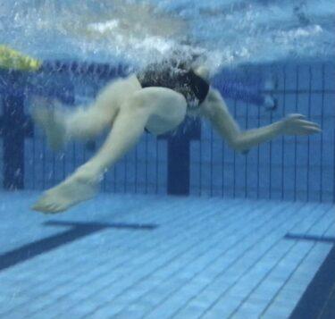 背泳ぎの下半身